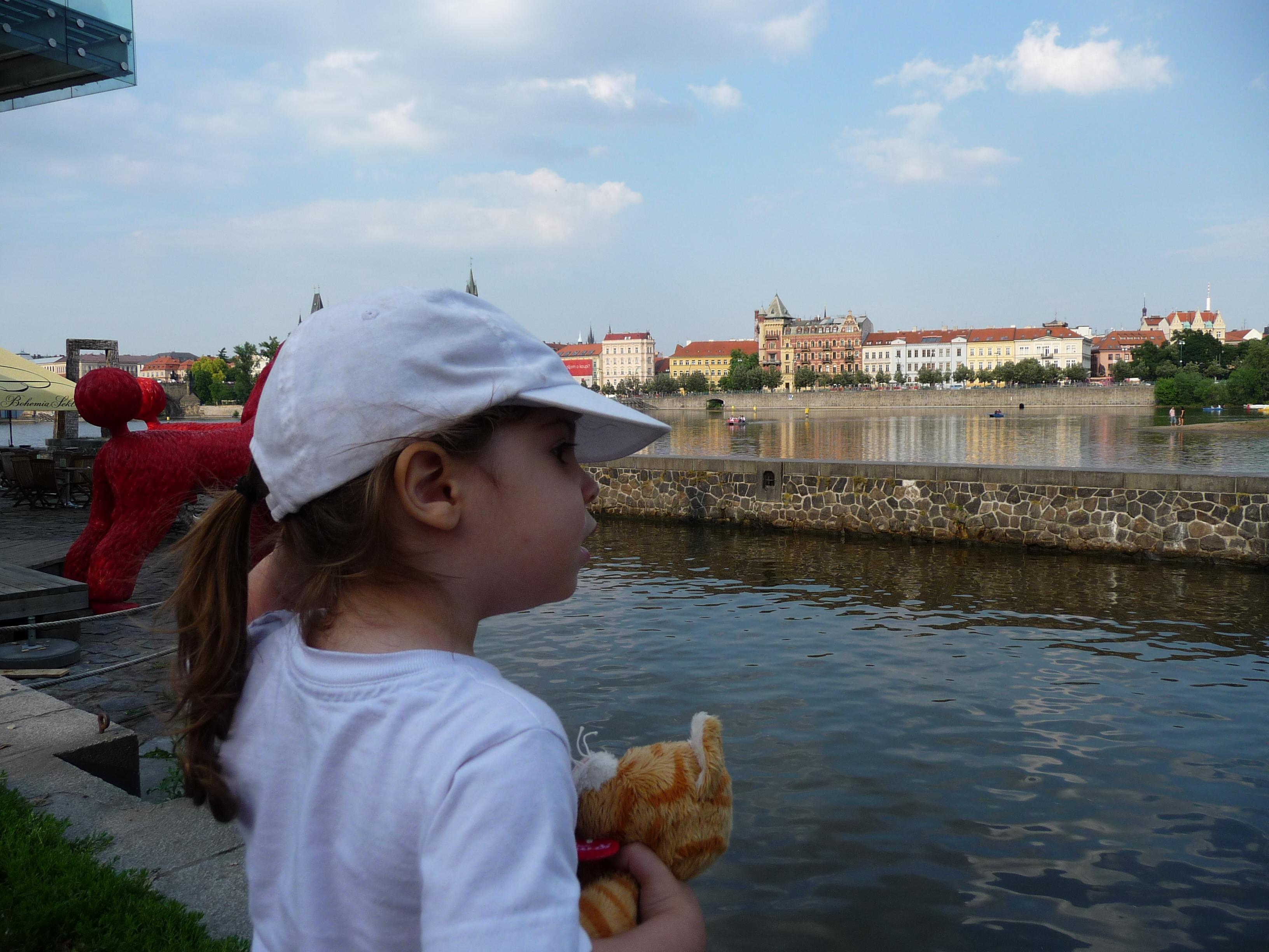 Vue sur la Vltava depuis Kampa